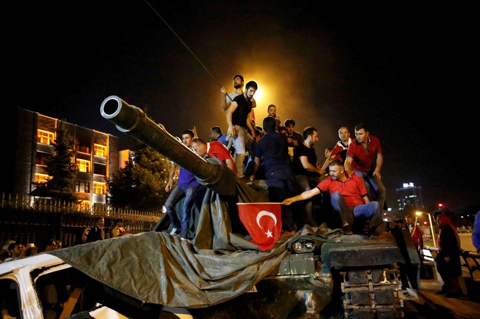 askeri-darbe-tank-halk